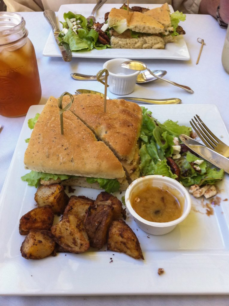 Lunch at Hawaiian Vanilla Co.