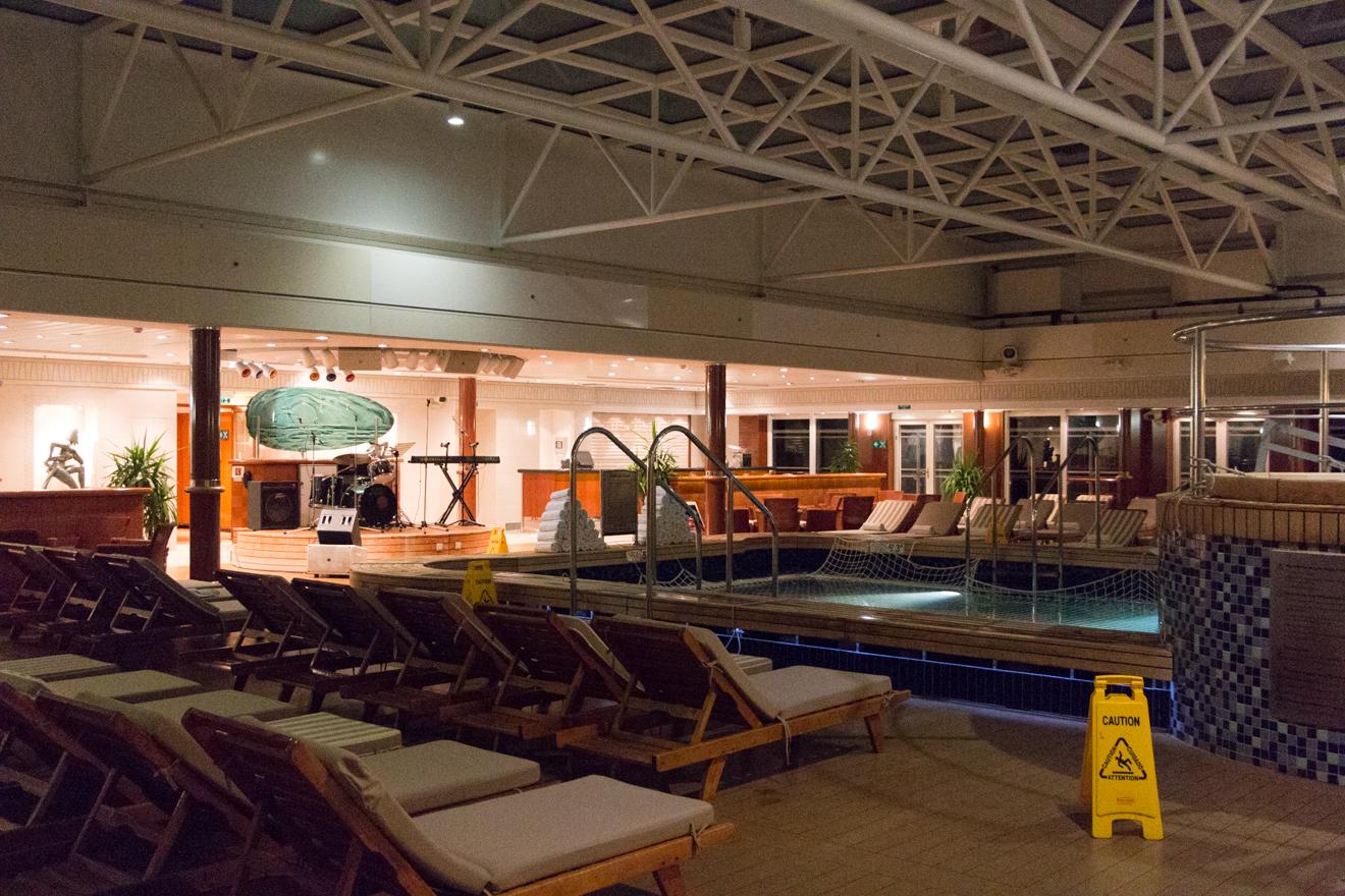 QM2 - Night Pavillion Pool