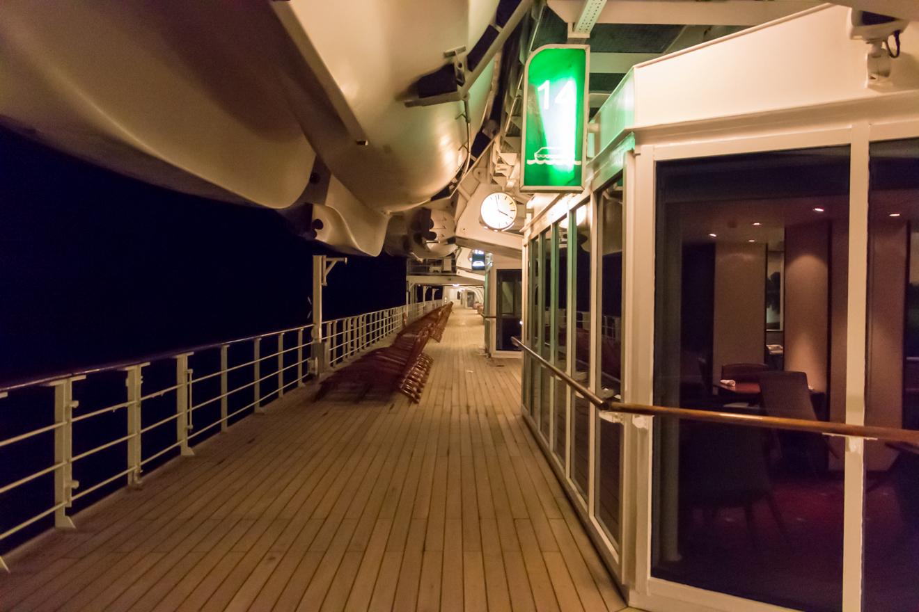 QM2 - Night Promanade Deck