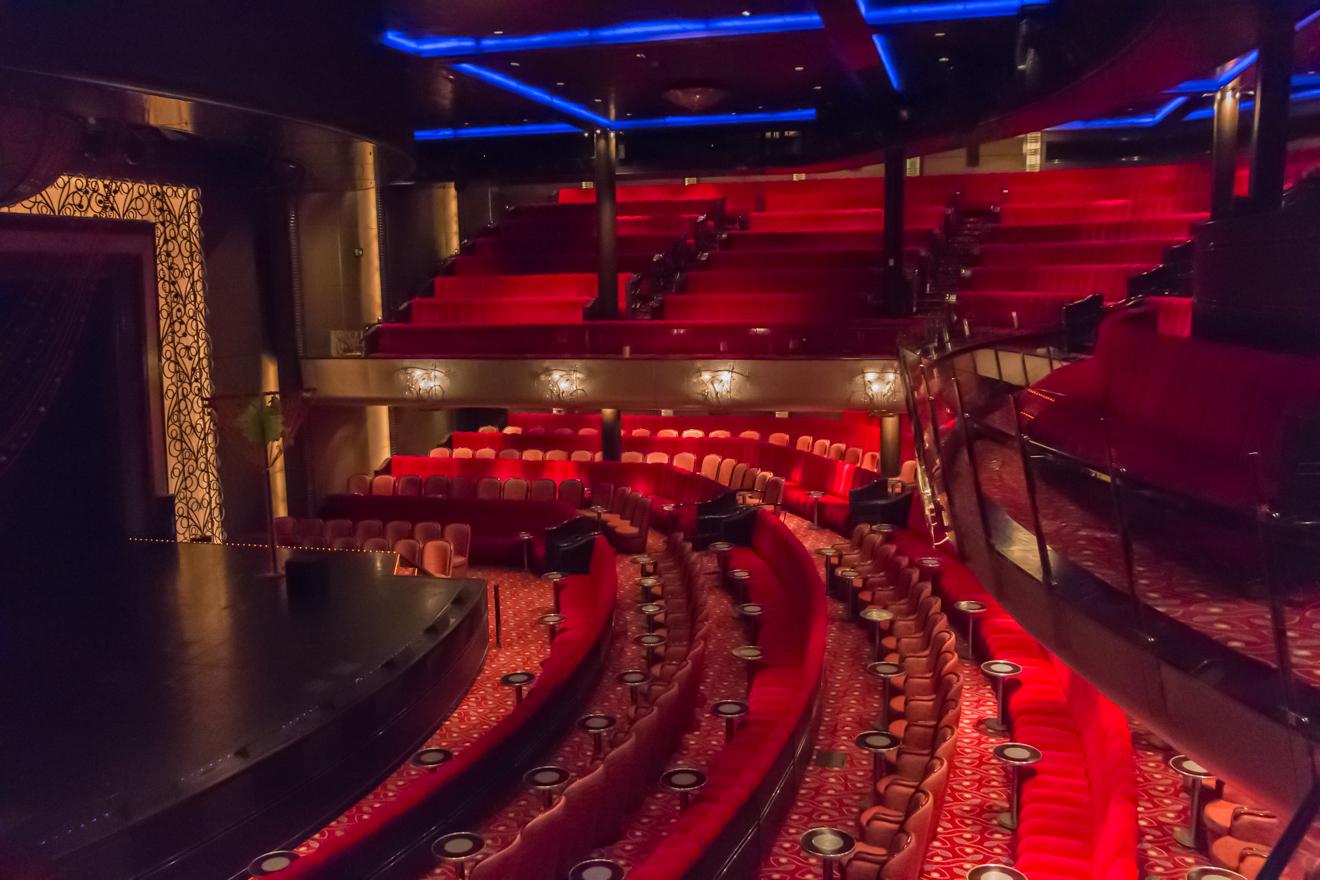 QM2 - Night Queens Court Theatre